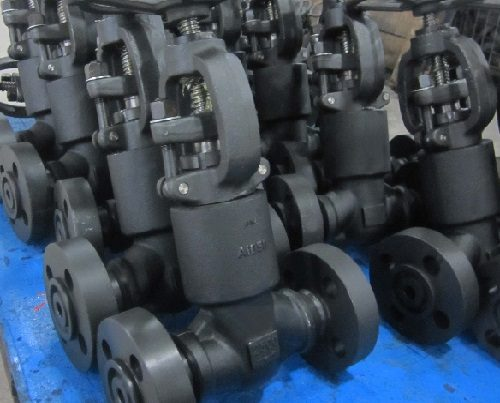 12 LUTON UK A105 FORGED STEEL VALVES RTJ
